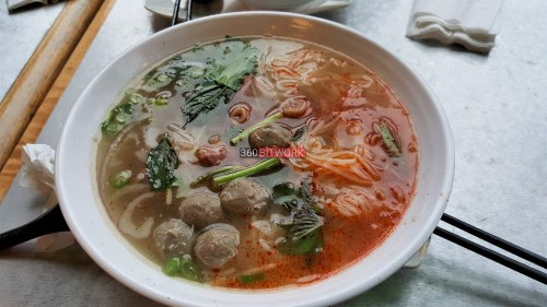 ox-tail-and-beef-balls-pho.jpg