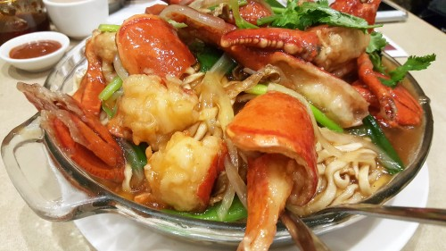 double-lobster-in-e-fu-noodle.jpg