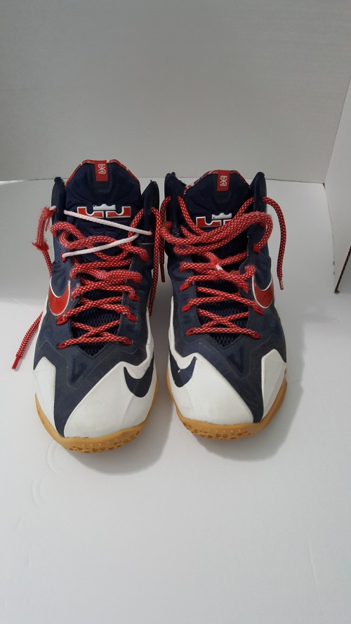 Lebron-James-Independence-Day-shoe-1.jpg