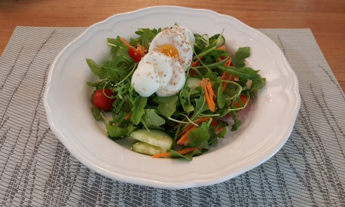 beautiful-spring-salad-with-egg.jpg