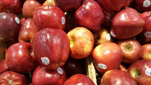 Red-and-Delicious-apples.jpg