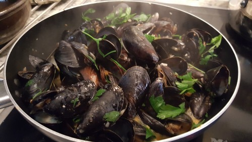 steam-mussels-in-white-wine.jpg